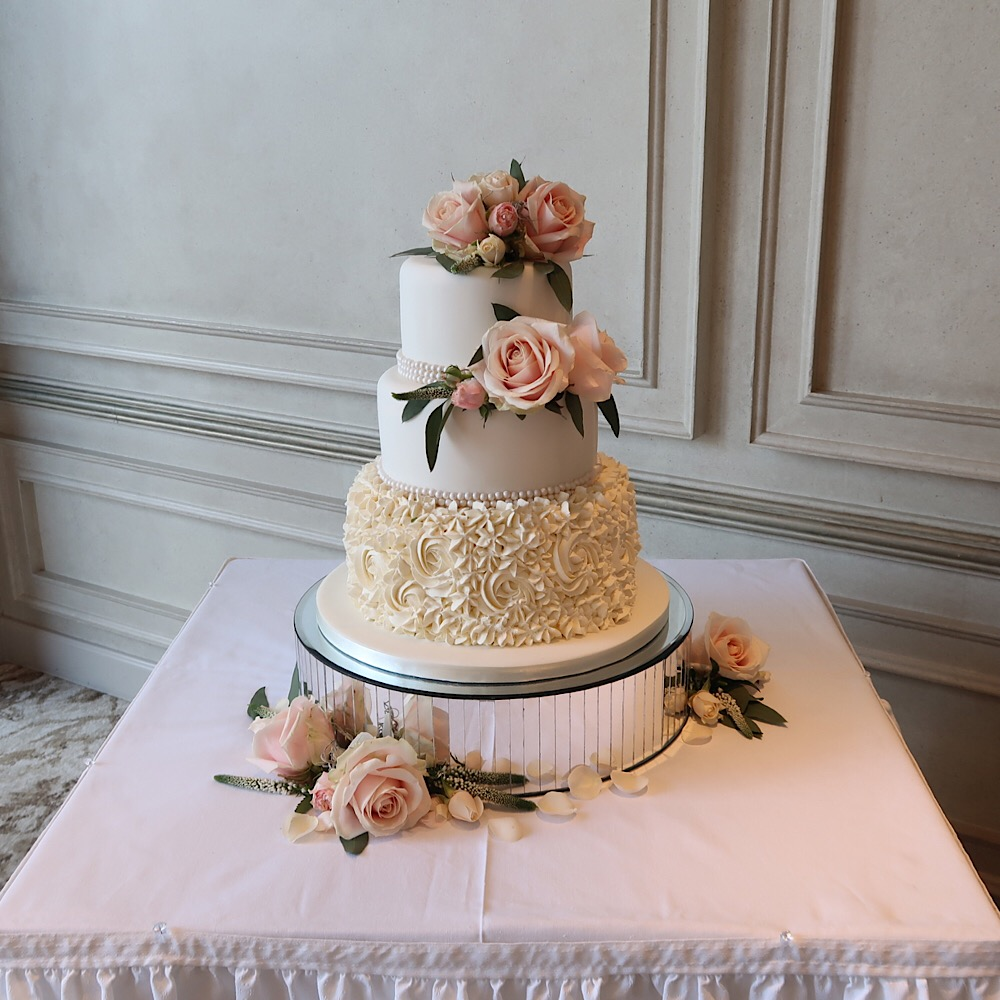 Wedding Cakes Inspired By China Patterns: Summer Wedding Cake Designs
