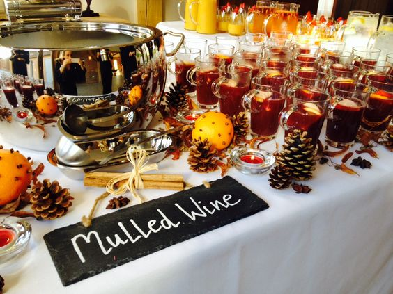 Arrival Wedding Drinks - mulled wine station